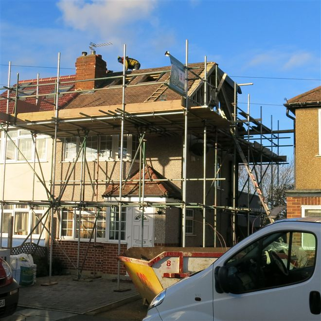 Eddie here from Ash Island Lofts doing the EPDM roofing at this loft conversion in Feltham, TW14.