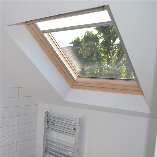 Loft conversion en-suite with velux window in Chiswick W4
