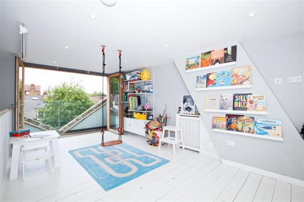 Loft conversion in Chiswick W4 2QU