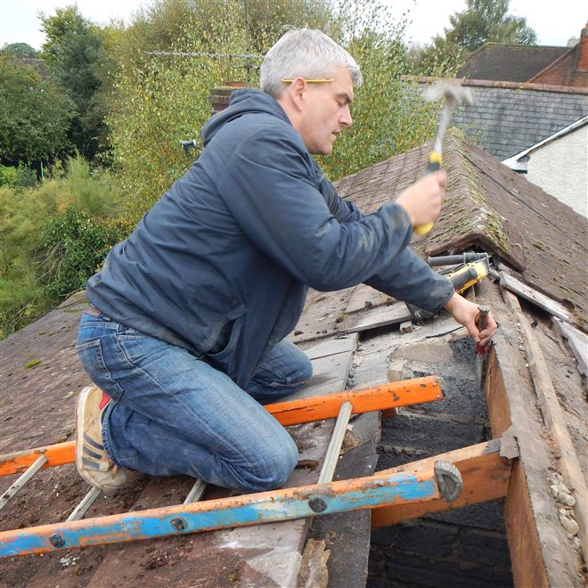 Jeremy preparing the roof for the steels